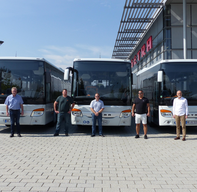 Auslieferung von drei Setra S 415 LE Business an die KVG